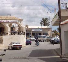 33 беженца пришли с севера Кипра в деревню Пила