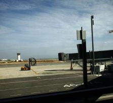 Аэропорт Ларнаки был закрыт на 40 минут из-за учебного самолета, съехавшего с посадочной полосы в поле