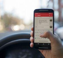 Без мобильника за рулем жителям Кипра нелегко