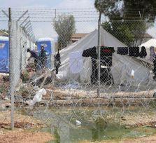 Беженцы атаковали кипрских полицейских камнями и палками