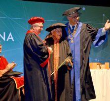 Мечты сбываются: диплом политолога можно получить и в 97 лет!