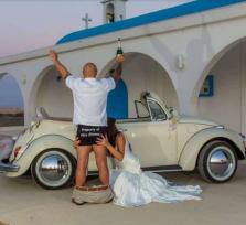 Митрополит Василиос запретил свадебные фото вне церквей