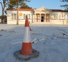 Мэр Пафоса: кое-кто получает 480 евро в месяц от государства и нелегально трудится