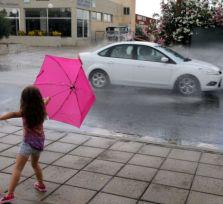 На Кипре — грозы и туман, а в Европу пришла аномальная жара