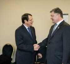 Президент Кипра поддерживает антироссийские санкции? Или это не так?