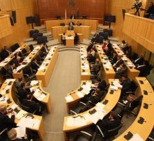 Зарплаты кипрских депутатов меркнут на фоне коллег из ЕС