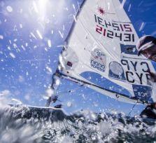 Фото. Павлос Контидис сражается с волнами Атлантики