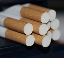 Полиция Кипра задержала трех пассажиров киевского рейса за контрабанду сигарет
