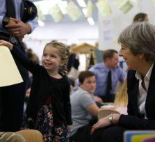 Премьер-министр Великобритании совершила блиц-визит на Кипр