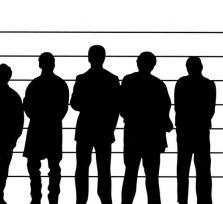 Шеф полиции Кипра велел опознавать подозреваемых через зеркальные стекла