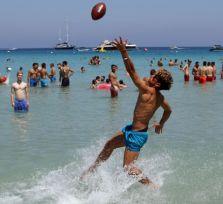 Сколько стоит день отдыха на кипрском пляже?