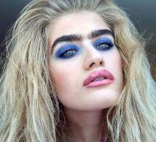 София Хаджипантели покоряет Instagram густыми бровями