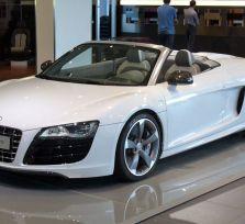 5000 евро тому, кто поможет найти угнанный Audi R8