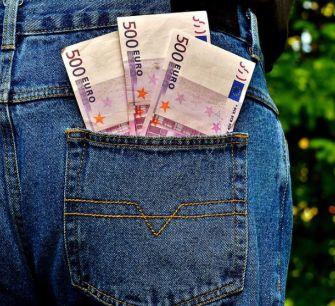 Центробанк Кипра напомнил о судьбе купюр достоинством 500 евро