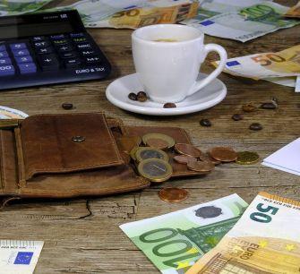 Киприоты и греки — чемпионы еврозоны по оплате наличными