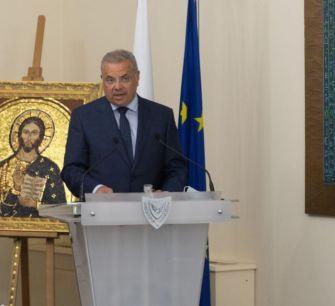 МВД Кипра: реклама услуг при оформлении «золотых паспортов» запрещена, штраф — 350 000 евро!