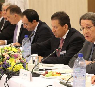 Президент Кипра готов выслушать иностранных инвесторов