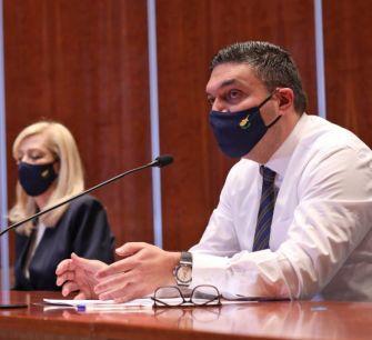 Власти Кипра выплатят от 1000 до 300 000 евро пострадавшим от пандемии бизнесменам
