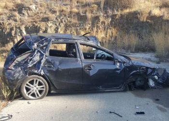 17-летняя девушка перевернулась на автомобиле