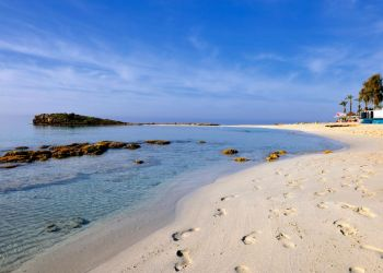 Два кипрских пляжа вошли в Топ-25 лучших в Европе!
