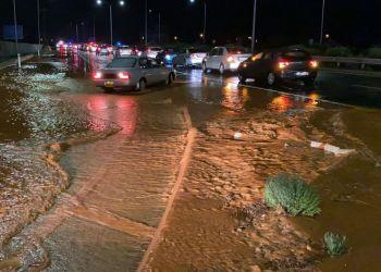 Ливни привели к мини-наводнениям на Кипре