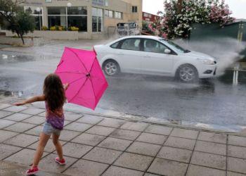 На Кипре введен «желтый» уровень погодной опасности из-за ливней с грозами и градом