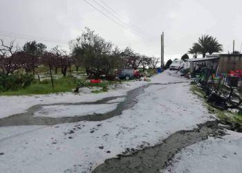 Проделки «Электры»: град в Келлаки, наводнение в Ливадии, снегопад в Троодосе (видео)