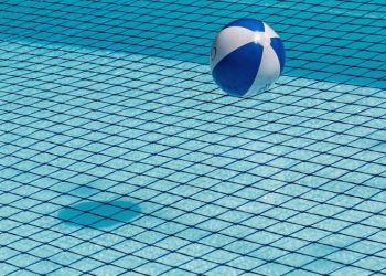 В Паралимни упала в бассейн 14-месячная девочка