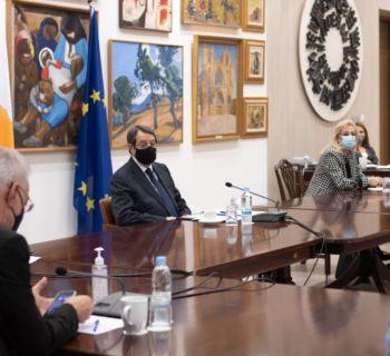 Правительство Кипра чуть-чуть ослабило меры борьбы с Covid-19